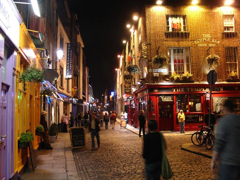 Temple Bar at Night