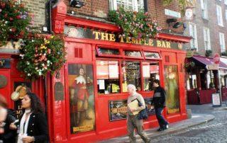 Temple Bar red Pub
