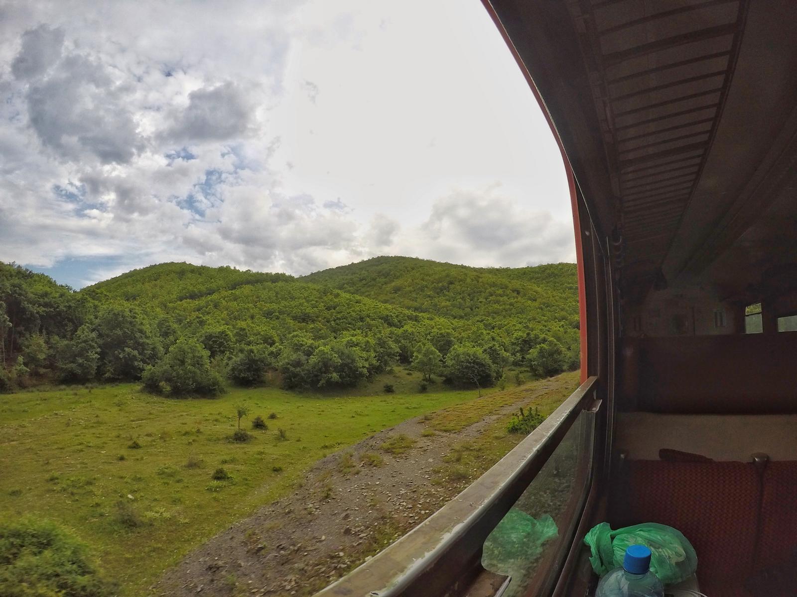 Im Zug von Pristina nach Peja im Kosovo