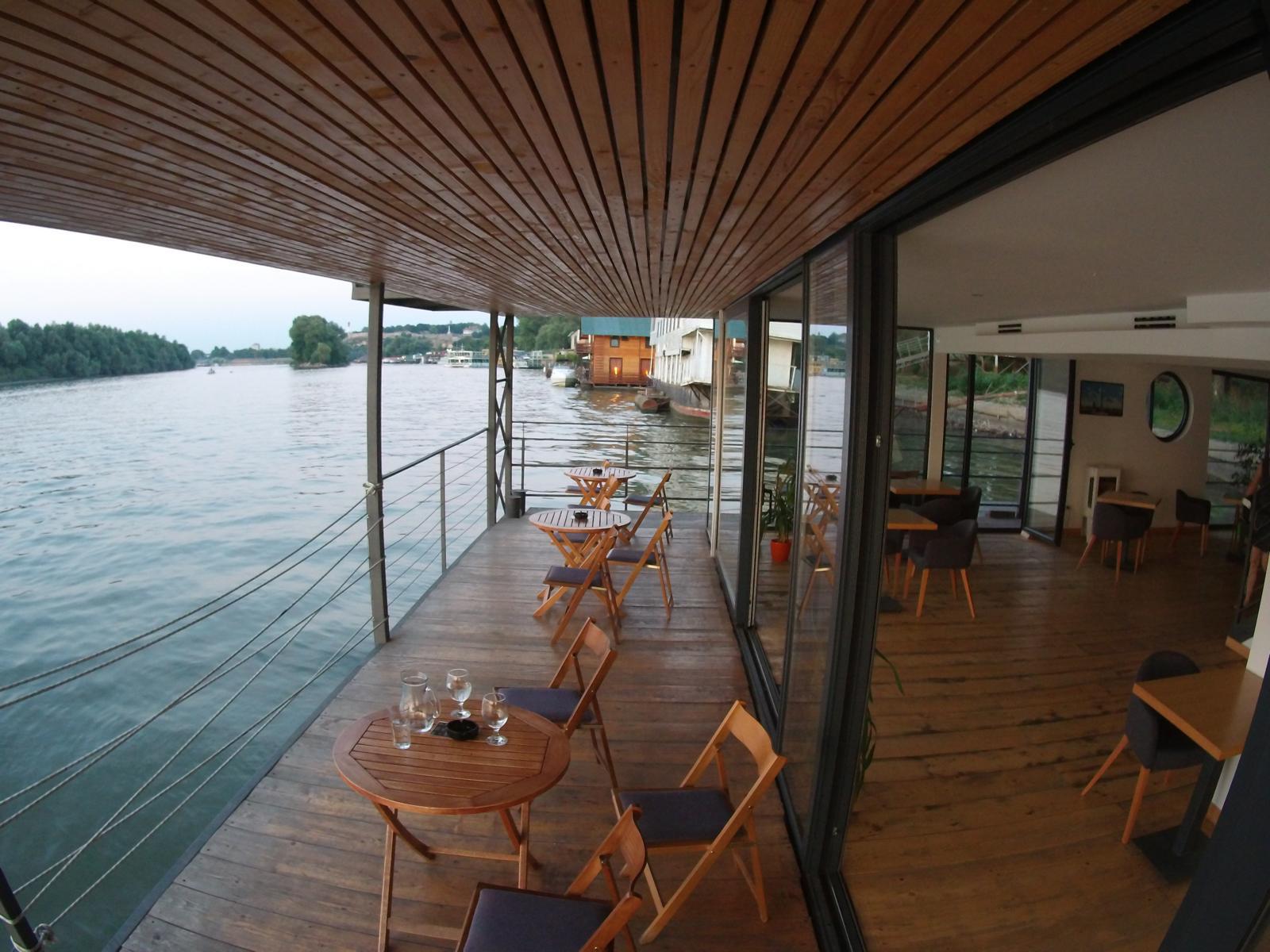 Arca Barka Hostel an der Donau in Belgrad